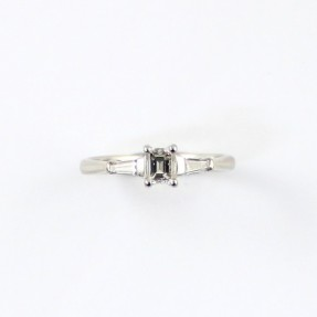 Diamond Ring (Pre-Owned)