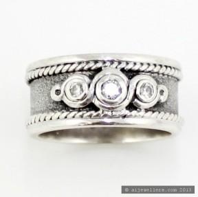 Diamond Wedding Band (Pre-Owned)