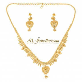 Indian/Asian Heart Necklace Set (Pre-Owned)